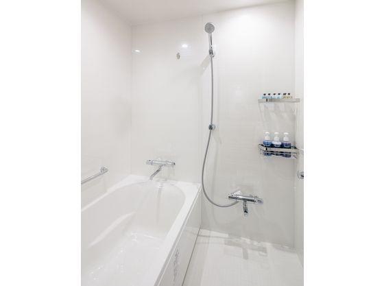 洗い場つきのお風呂でゆっくりとバスタイムを♪