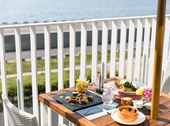 レストラン「コーラル テーブル」デッキテラスからの眺め(イメージ写真)