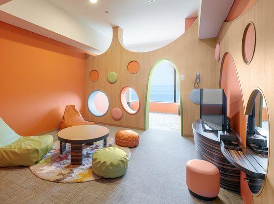 【ワンダーランド】38㎡ おもちゃ箱のような空間が広がる客室
