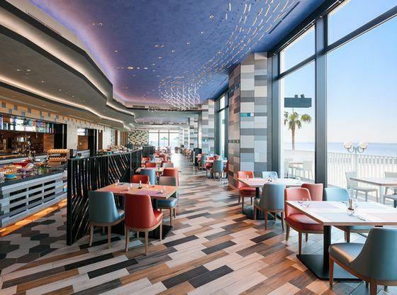 【レストラン】「コーラル テーブル」東京ベイを眺めながらお食事をお楽しみいただけます♪