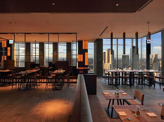 Sky Dining 天空は地上140メートルのブッフェレストラン