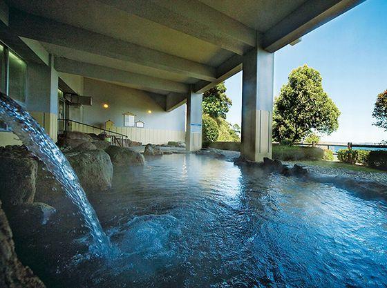 B1大浴場の露店風呂からは日の出がご覧いただけます