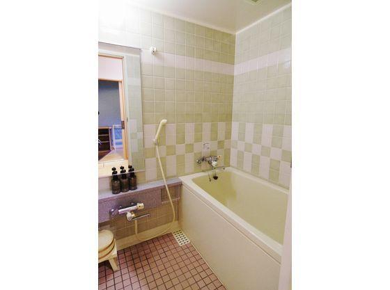 全客室にお風呂を設置しております。(温泉ではございません)