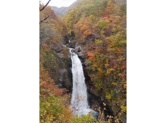 秋保大滝。日本三名瀑の一つ。蘭亭より車で約20分。