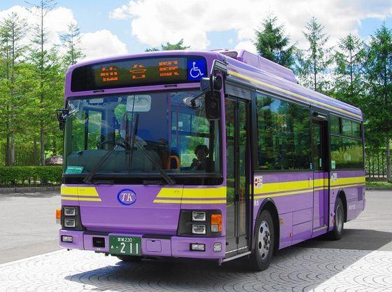 仙台駅行きバスは玄関前から路線バスが1時間ごとに出発。