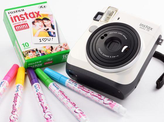 インスタントカメラ「チェキ」貸出プランで旅行の思い出を。