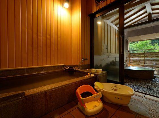 内湯と半露天風呂の2つの浴槽で楽しめる貸切風呂「ちゃっぷん」。