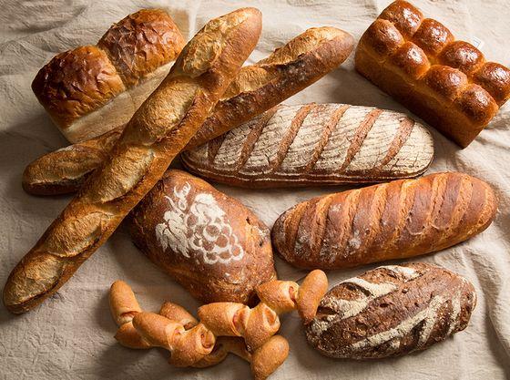 毎日丁寧に焼き上げるパンはお土産としても喜ばれております