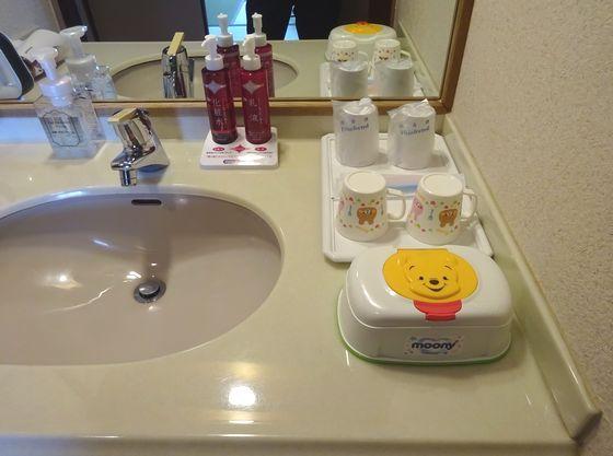 お子様用の歯ブラシ、マグカップなどをご用意