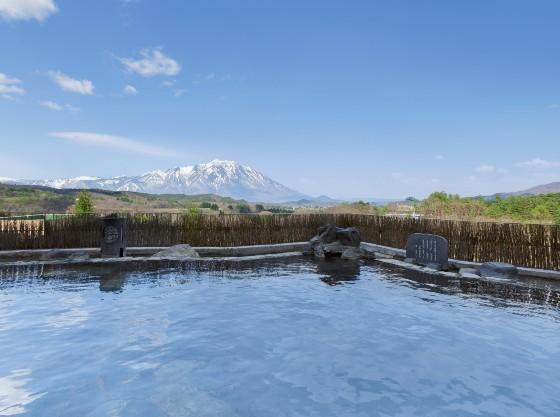 岩手山を望む空中露天風呂