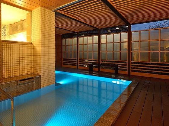 大浴場は大きな露天風呂付♪