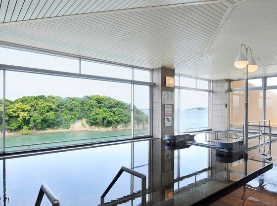5階展望大浴場はつるつるすべすべの温泉です