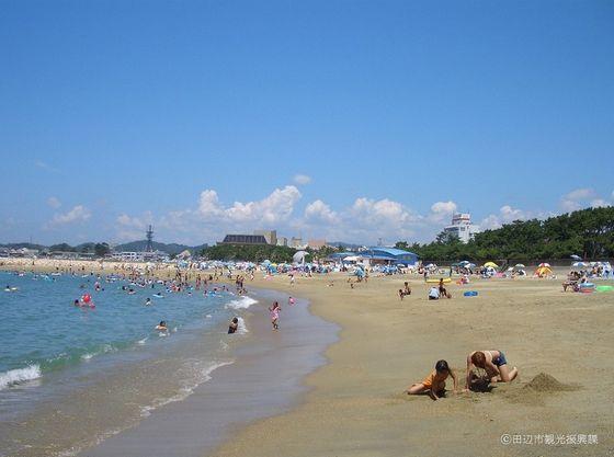 当宿から車で約10分ファミリービーチの「田辺扇ヶ浜海水浴場」
