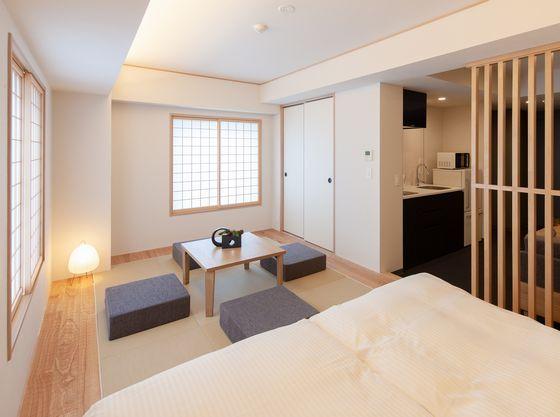 和室とベッドのあるお部屋です