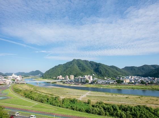 清流長良川のほとりの、静かな環境で、ごゆっくりお過ごしください。