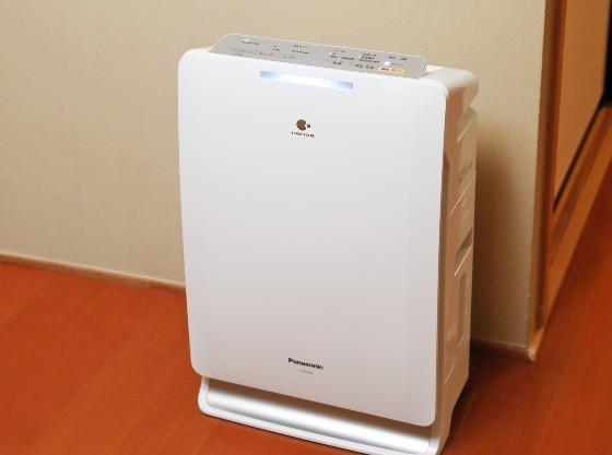 加湿機能付き空気清浄機を完備。