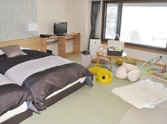ハイハイしてもOKな畳敷きのお部屋(お部屋の備品はプランにより異なります)