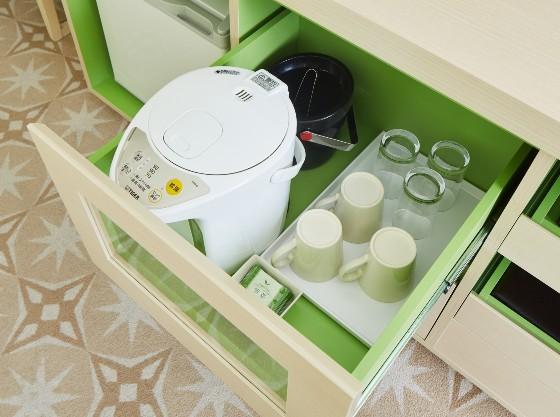 ミルクを作るのに便利なポットも全室完備しております。