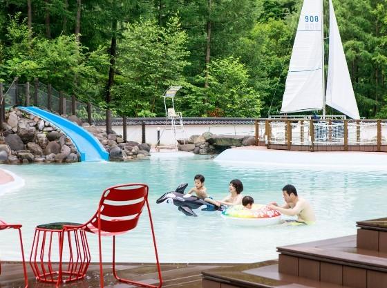 森の中の温泉ビーチ「ト・コ・ナッツ」