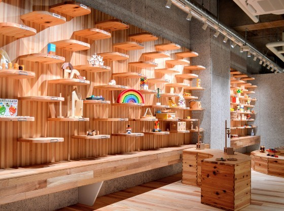 「花巻おもちや美術館」木育推進と多世代交流を兼ねた体験型ミュージアム。