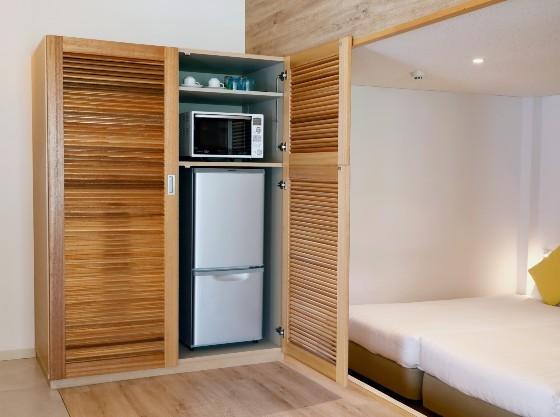 お部屋にはレンジ、冷蔵庫、洗濯機が備え付け