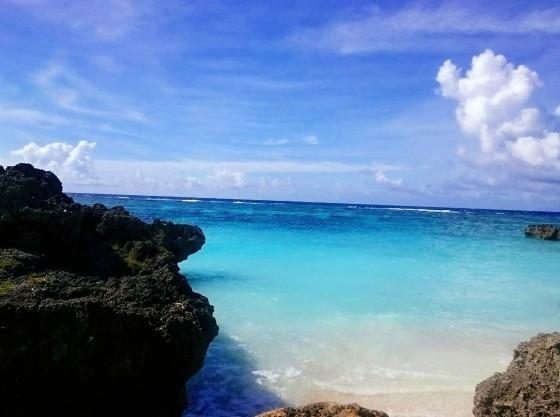 ホテルすぐにはサンゴの砂浜の小さなビーチが
