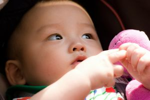 赤ちゃん連れの飛行機~機内での過ごし方