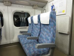赤ちゃんとの列車旅でおススメの座席は?