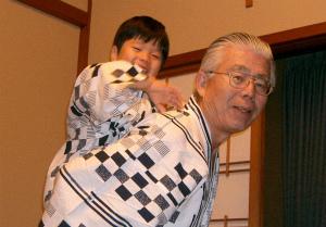 祖父母は三世代旅行で、孫と過ごすのが楽しみ