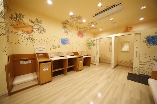 ベビー休憩室が充実。日本は赤ちゃん連れに優しい国