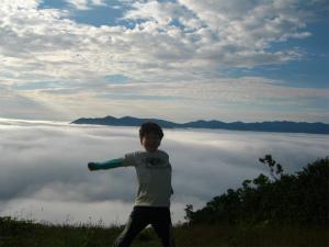 夏限定!迫力ある雲海に親子で感動間違いなし!トマム「雲海テラス」