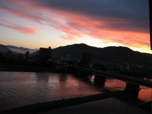 夏の風物詩、長良川うかいを優雅に親子で楽しむ